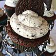 "Oreo ""Cookies and Cream"" Cupcakes"