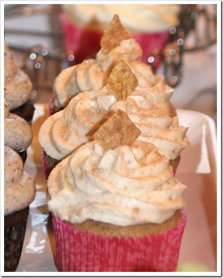 Cinnamon Toast Crunch Cupcakes CUT
